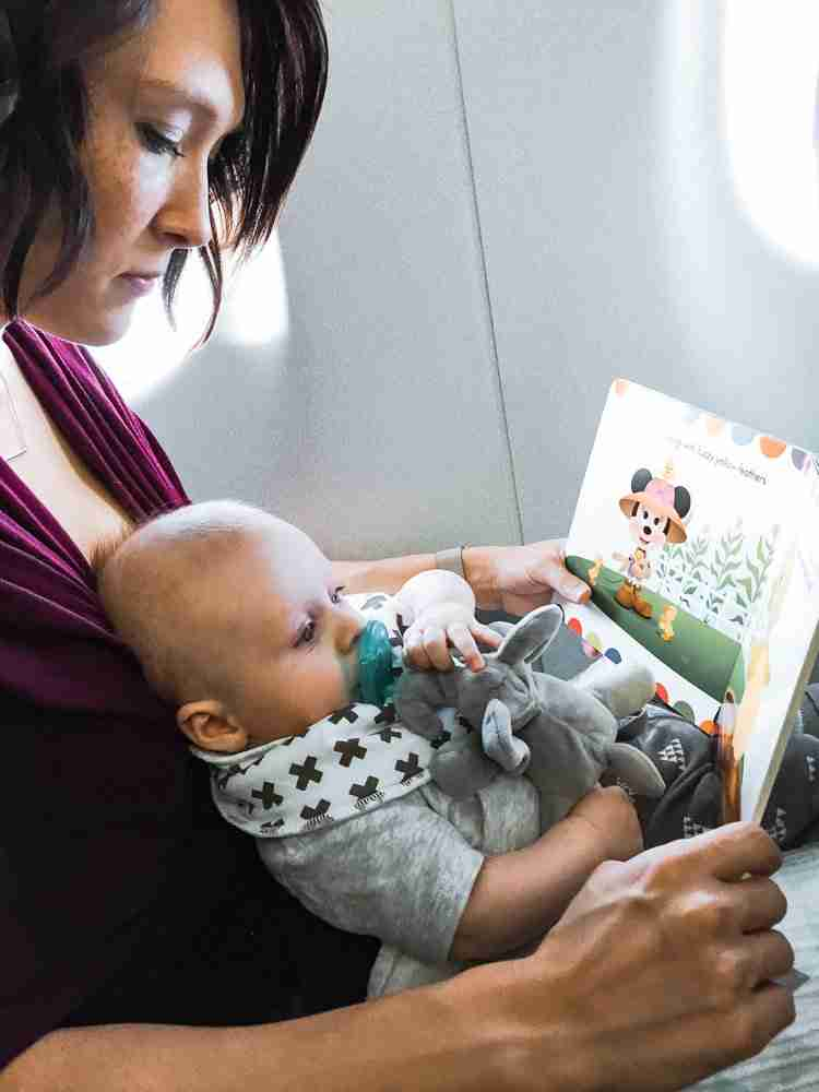 Travel with kids when they are babies on a plane