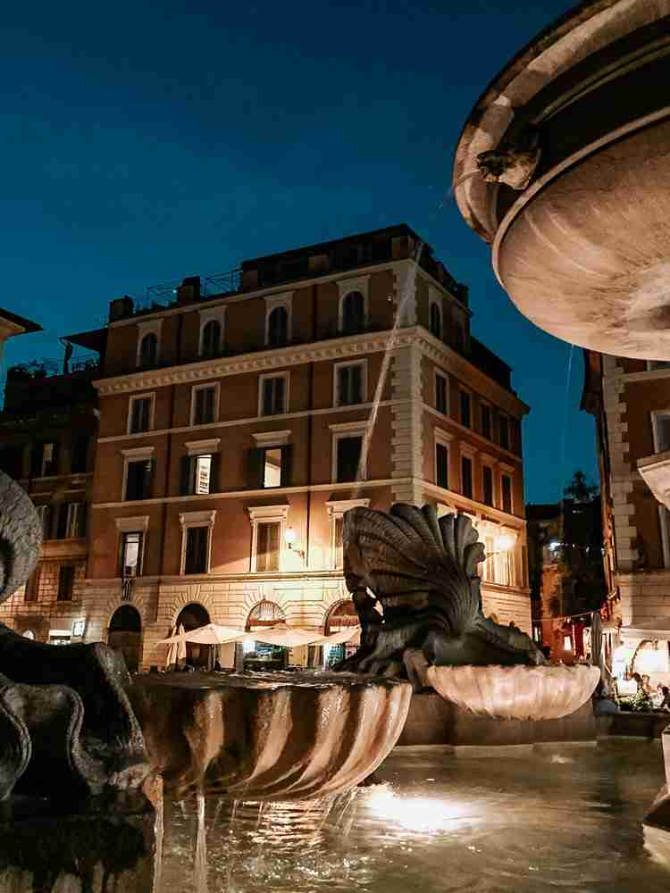 Plan your trip with evenings in piazzas
