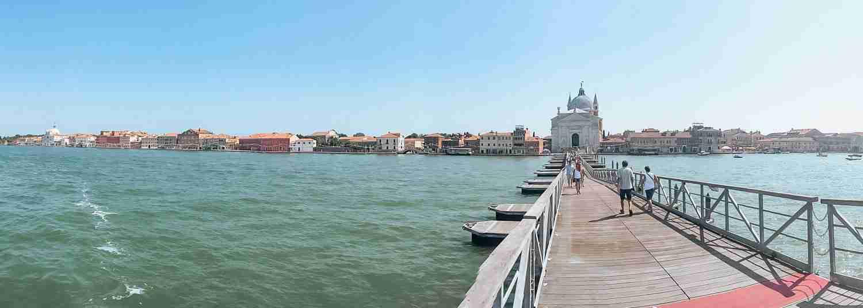 Floating bridge to Giudecca in Venice